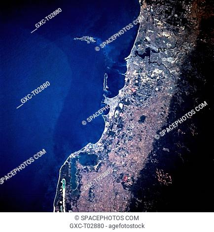 The dramatic color change in this image that includes the metropolitan Perth area of Western Australia is the result of an abrupt elevation difference from the...
