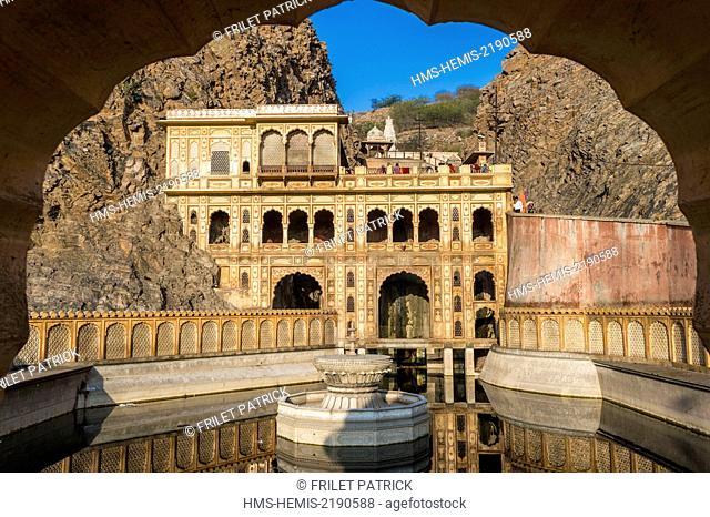 India, Rajasthan state, Jaipur, the Galta Ji temple dedicated to the Hanuman god