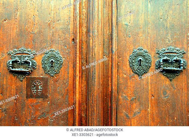 door, enclosure of the Hospital de la Santa Creu, Ciutat Vella, Barcelona, Catalonia, Spain