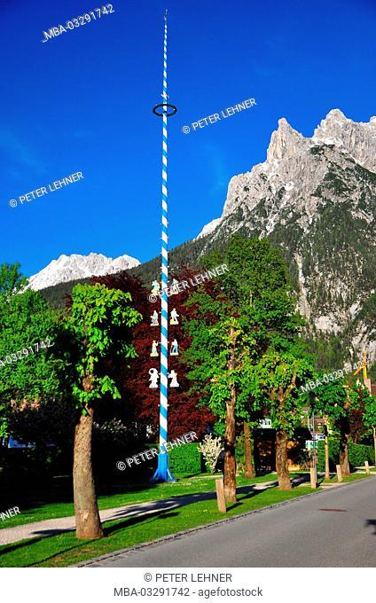 Germany, Bavaria, Mittenwald, maypole, Viererspitze (mountain)