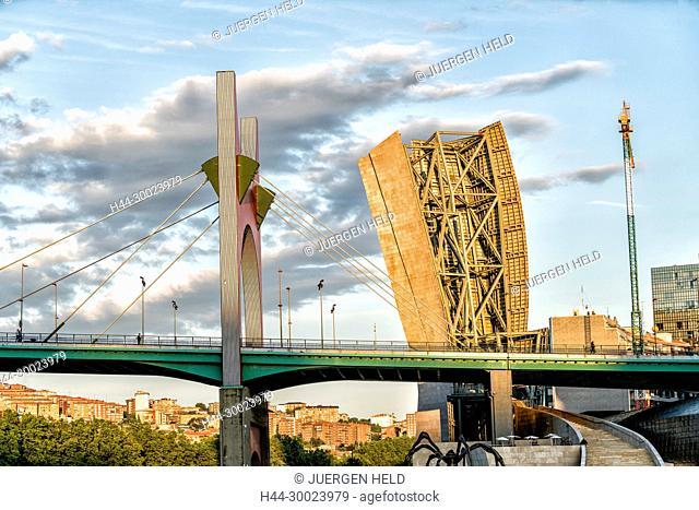 La Salve Bridge over Fluss Nervion, near Guggenheim Museum , Bilbao , museum of modern and contemporary art , architect Frank Gehry , Bilbao, Basque Country