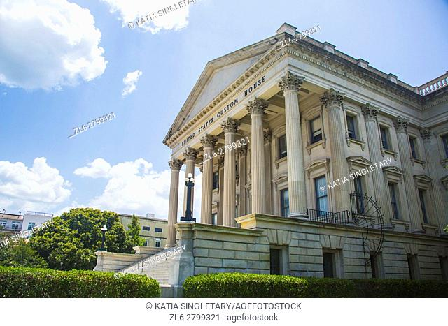 The United States Custom House in the historic district, East Bay Street, Charleston, South Carolina, USA, on a sunny day and blue sky