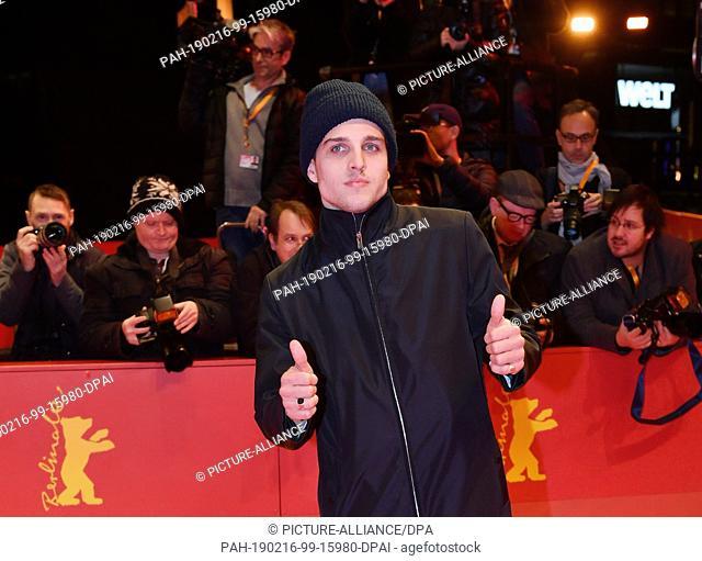 16 February 2019, Berlin: 69th Berlinale: Closing and awarding of the bears in the Berlinale Palast: Jonas Dassler, actor. Photo: Jens Kalaene/dpa