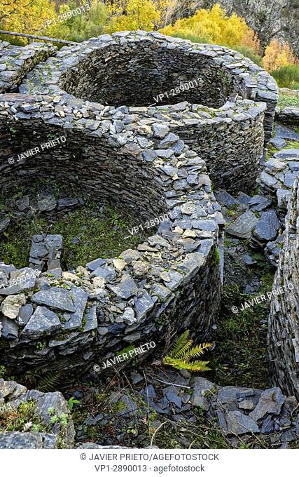 Castro de Chano. Remains of 16 dwellings of an Astur settlement from the 1st century BC. And I d. C. Valley of Fornela. The Ancares. Province of León