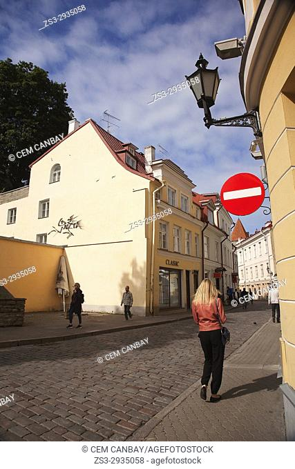 Scene from the cobblestone streets in old town, Tallinn, Estonia, Baltic States, Europe