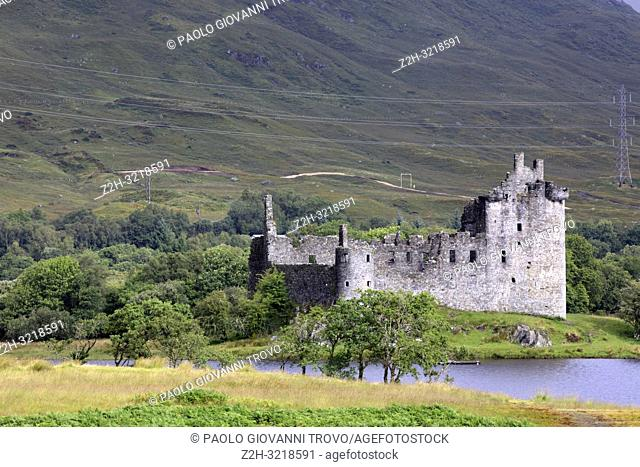 Loch Awe with views to the ruins of Kilchurn Castle, Scotland, United Kingdom