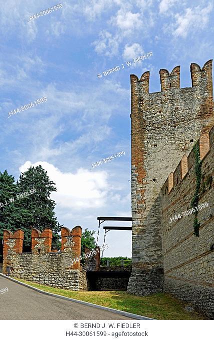 Europe, Italy, Veneto Veneto, Soave, via Mondello, castle Scalier, Castello Medievale, tower, drawbridge, architecture, trees, buildings, historically, castles