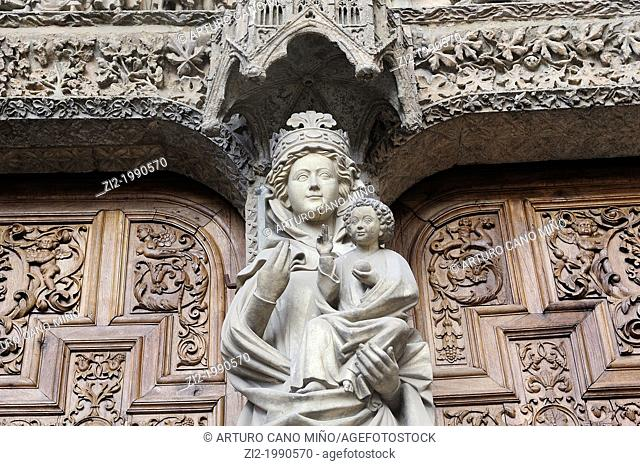 Cathedral, detail of the Virgen Blanca. Leon, Spain