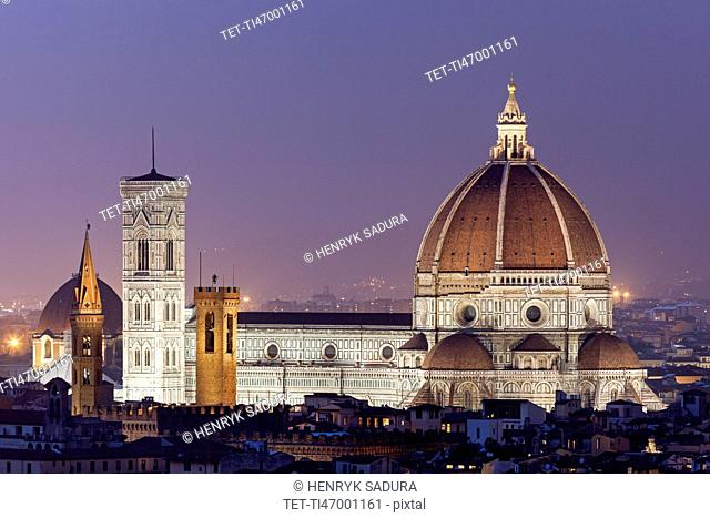 Duomo Santa Maria Del Fiore at dusk