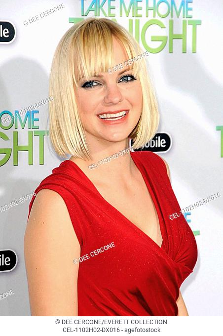 Anna Farris at arrivals for TAKE ME HOME TONIGHT Premiere, LA Live Regal Cinemas Premiere, New York, NY March 2, 2011. Photo By: Dee Cercone/Everett Collection