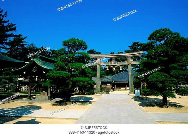 JAPAN, HAGI, SHOIN SHRINE SHINTO SHRINE, TORI GATE