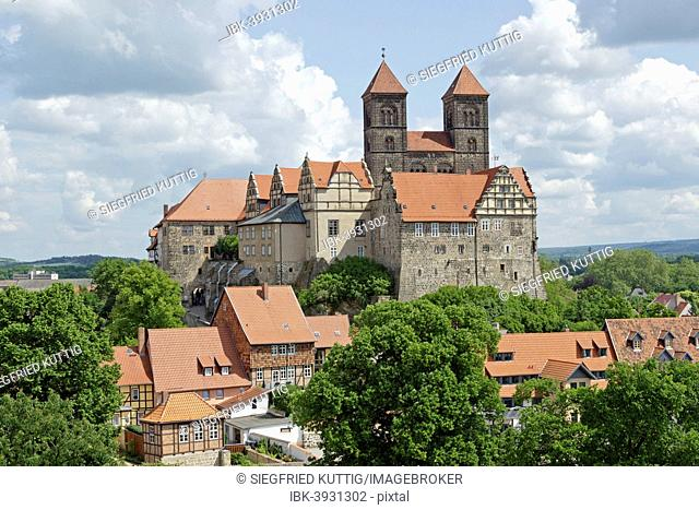 Castle and Collegiate Church of St. Servatius with monastery buildings on the Schlossberg or castle hill, Quedlinburg, Saxony-Anhalt, Germany