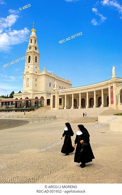 Nuns, Sanctuary of Our Lady of Fatima, Fatima, Portugal / Basilica of Our Lady of the Rosary, Santuario de Fatima