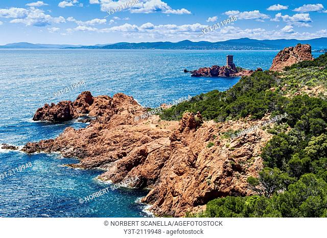 Europe, France, Var, Cornice of Esterel. Saint-Raphael. The island of 'Tour d'Or', Cape Dramont