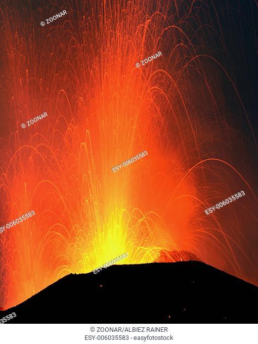 eruption of mount Stromboli