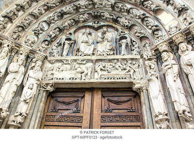 THE RESURRECTION AND THE CORONATION OF THE VIRGIN MARY, DECORATION ON THE MAIN DOOR OF THE SOUTH FACADE CONSERVING PART OF ITS 12TH CENTURY POLYCHROMY