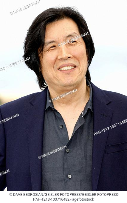 Chang-dong Lee at the 'Burning / Beoning' photocall during the 71st Cannes Film Festival at the Palais des Festivals on May 17,2018 in Cannes