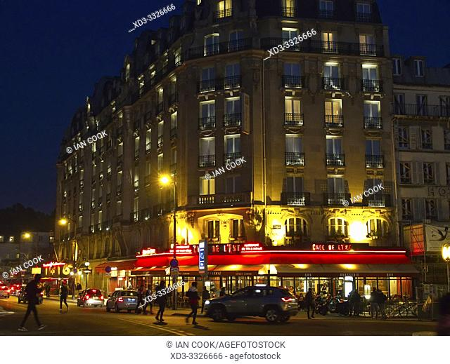 Cafe de lEst at night, 10th Arrondissement, Paris, France