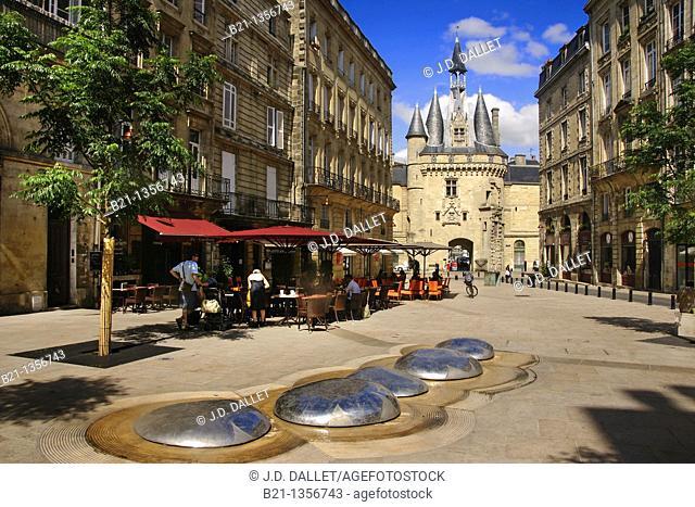 France, Aquitaine, Gironde, Place de la Porte Cailhau at Bordeaux