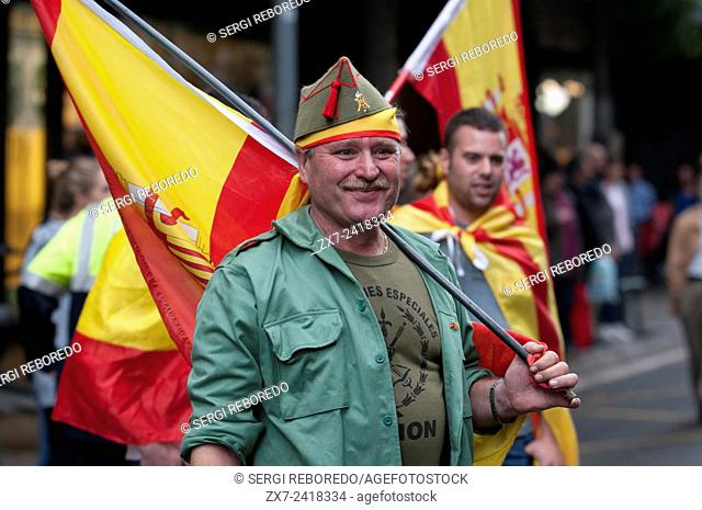 Barcelona, Spain. 12th Oct, 2014. Demonstrators doing the fascist salute during the Spanish Ultra Nationalism speech this morning