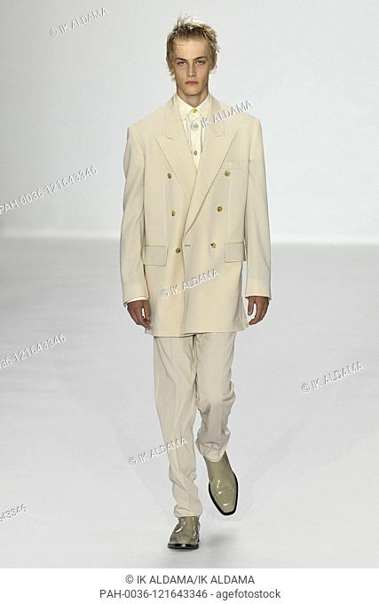 PAUL SMITH runway show during Paris Fashion Week Menswear SS20, PFW Homme Spring Summer 2020 Collection - Paris, France 23/06/2019 | usage worldwide