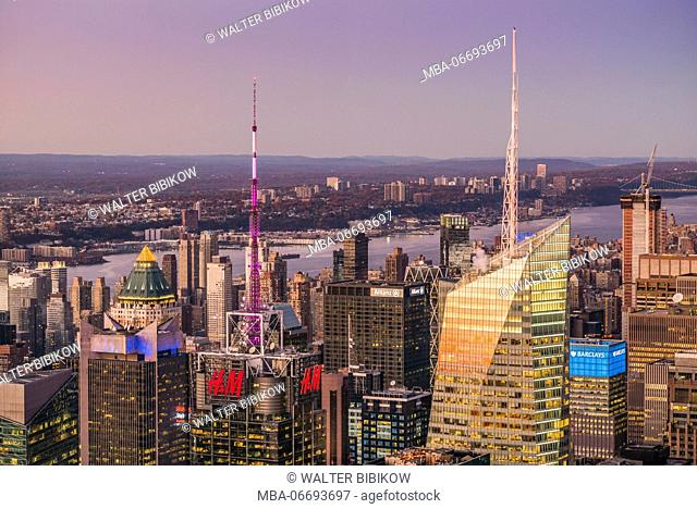 USA, New York, New York City, Mid-Town Manhattan, elevated view of Mid-Town Manhattan, dusk