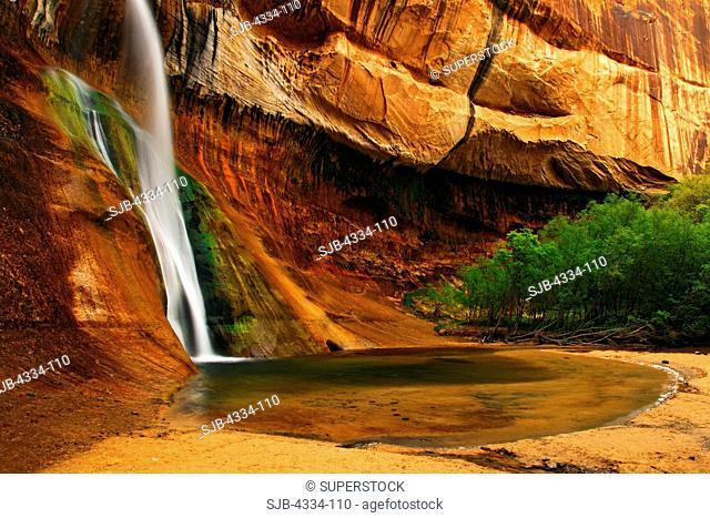 Calf Creek Falls, along the Calf Creek in the Grand Staircase-Escalante National Monument, Utah