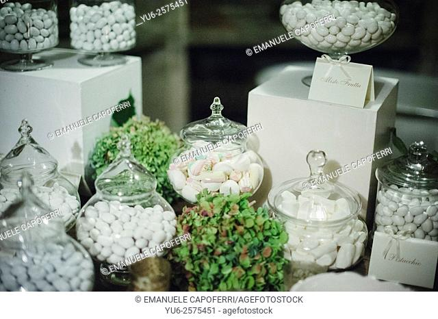 Confettata wedding, almond sweets of spouses