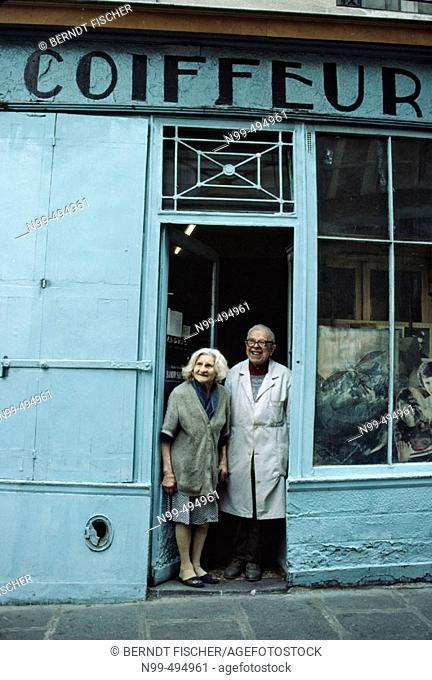 Jewish quarter, haircutter couple, Marais,  Rue des Rosiers, Paris. France