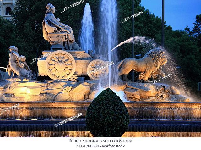Spain, Madrid, Plaza de Cibeles, fountain of goddess Cybele