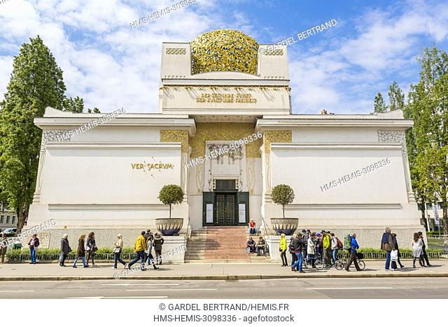 Austria, Vienna, Palace of the Secession imagined by Otto Wagner and Gustav Klimt and built by Joseph Maria Olbrich in 1897 overhanging the motto