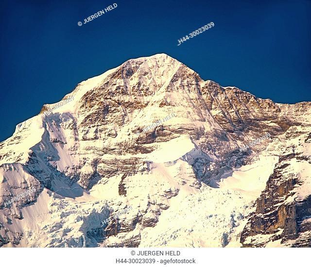 Berner Alpen, Ausblick von Muerren, Schilthorn, Moench, 4099m Top of europe, Schweiz
