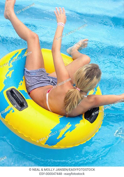 Balancing in tube in water