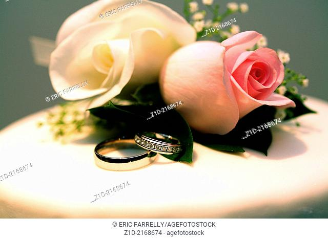 Wedding cakes and wedding rings
