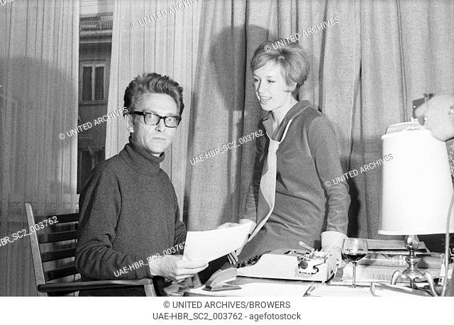 Die deutsche Schlagersängerin und Schauspielerin Dany Mann, Deutschland 1960er Jahre. German schlager and jazz singer and actress Dany Mann, Germany 1960s