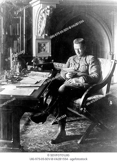 Alexander kerensky, leader of the provisional government, in his office in the winter palace, petrograd, 1917