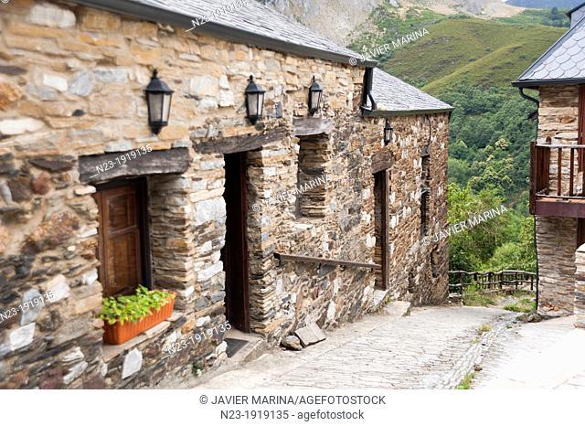PEÑALBA OF SANTIAGO, OZA VALLEY, LEON, SPAIN
