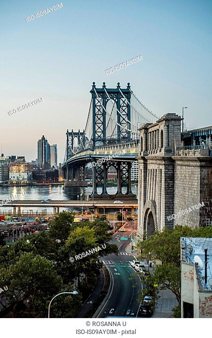 Manhattan Bridge during sunrise, Manhattan, New York, USA