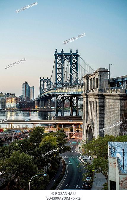 Manhattan Bridge during sunrise, Manhattan, New York, USA