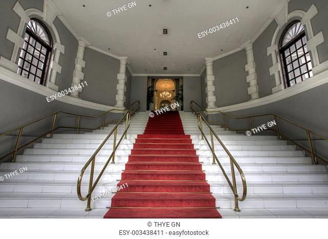 Grand Entrance Staircase