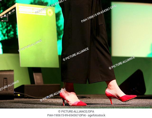 14 June 2019, North Rhine-Westphalia, Neuss: Annalena Baerbock, Federal Chairwoman of the Green Dual Leadership, is wearing red high-heeled shoes during her...