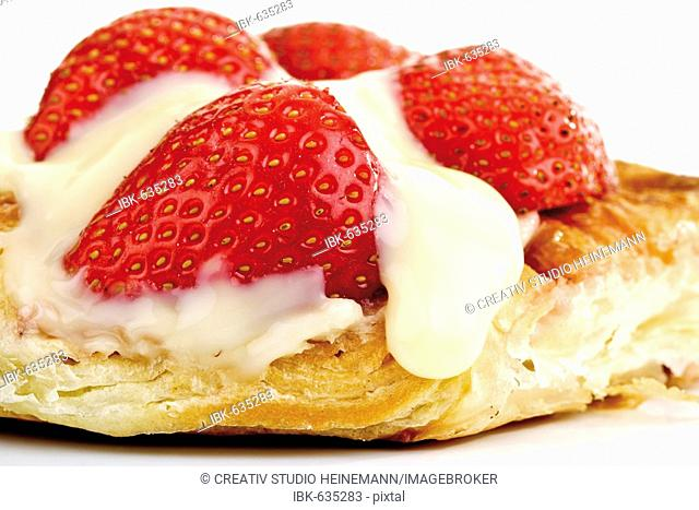 Strawberry-and-custard filo pastry