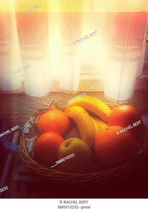 Fruiterer under the window