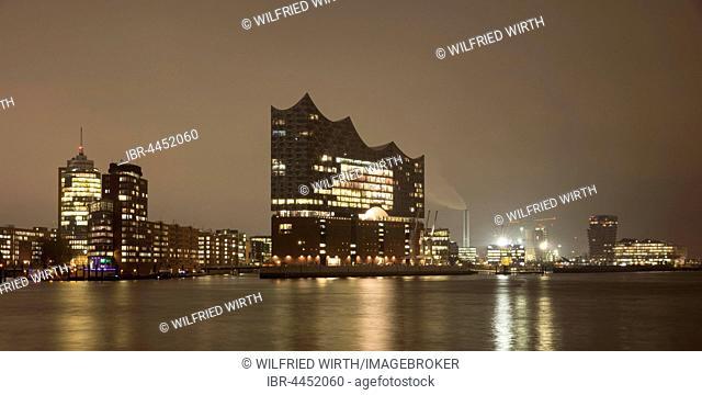View of HafenCity, Elbe Philharmonic Hall, night scene, Hamburg, Germany