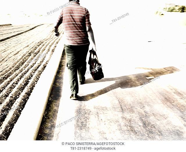 Walker suitcase down the field, Alboraya, Valencia