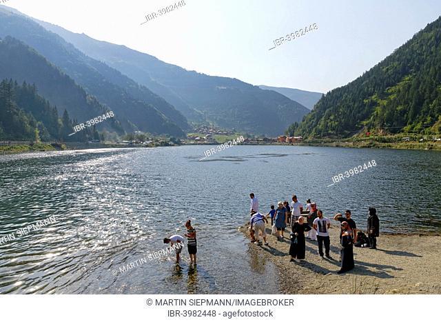 Tourists on the shore of lake Uzungöl, village of Uzungöl, Trabzon Province, Pontic Mountains, Black Sea Region, Turkey
