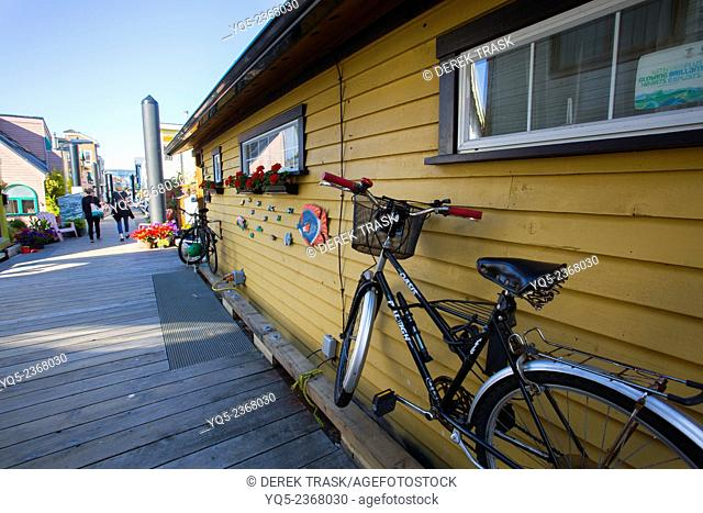 North America, Canada, British Columbia, Vancouver Island, Victoria, House Boats, Fisherman's Wharf