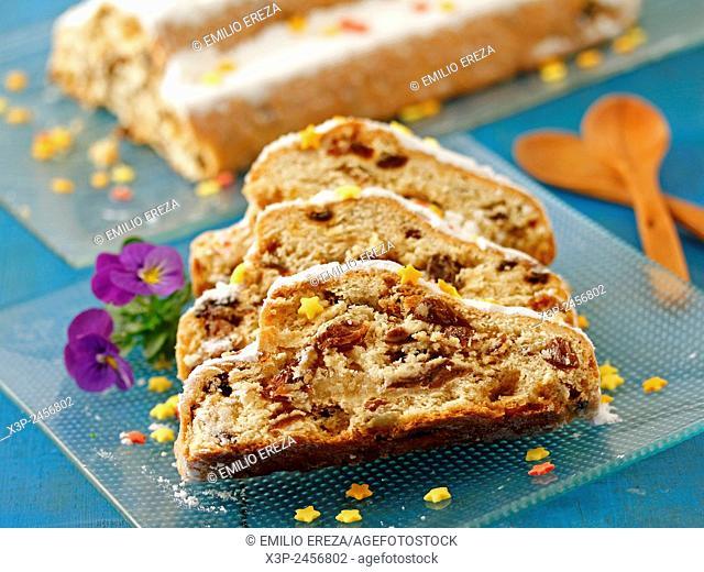 Marzipan cake with raisins. (Stollen)