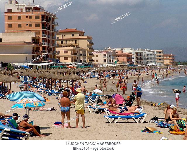 ESP, Spain, Balearic Islands, Mallorca : Beach of Can Picafort in the Alcudia bay