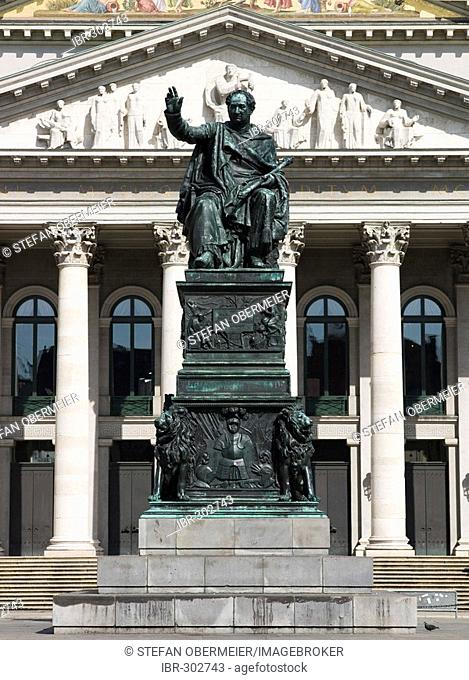 Monument of King Max I. Joseph in front of the Bayerische Staatsoper (Bavarian State Opera), Munich, Bavaria, Germany